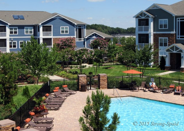 Seasons-Pool-View